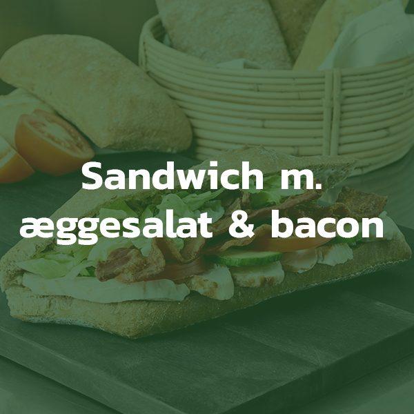 Sandwich med æggesalat og bacon